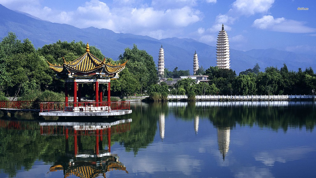 ???????? (Three Pagodas in Yunnan, China)