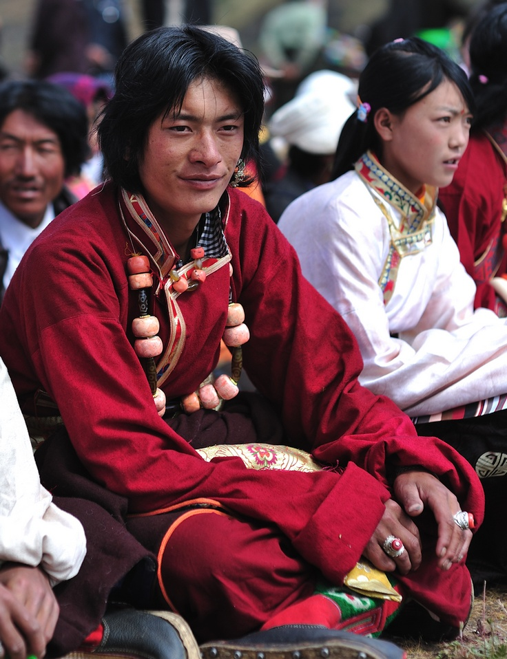 Tibetant in trad clothing Yunnan